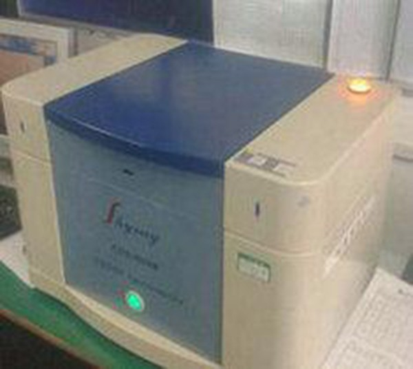 深圳供应绝版测试仪 企业环保制造检测 一、品牌 天瑞在1992年研发出了中国第一台能量色散X射线荧光光谱仪,至今已经有25年以上经验积累,目前是国内唯独一家真正有实力自主研发光谱仪及上市的公司,目前公司市值已超百亿,在全国拥有多家子公司,团队规模达3000人,成为中国乃至世界检测分析行业的引领者和知名品牌。 二、软硬件 1、天瑞每年耗巨资研发软件,对所有客户承诺软件终身免费升级,做到时时跟进欧盟RoHS环保指令,让客户买的仪器终生不过时。 2、天瑞仪器的主要三大核心配件均来自美国进口,天瑞严格杜绝利用翻新